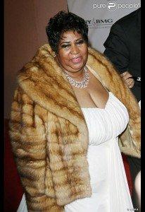 Aretha Franklin abandonnera-t-elle ses fourrures pour garder sa maison ___